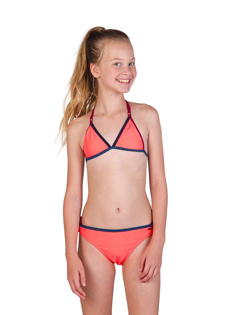Mädchen In Bikini